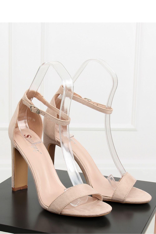 79d371dfdfd5 Sandále na opätkoch model 128136 Inello Dámská móda